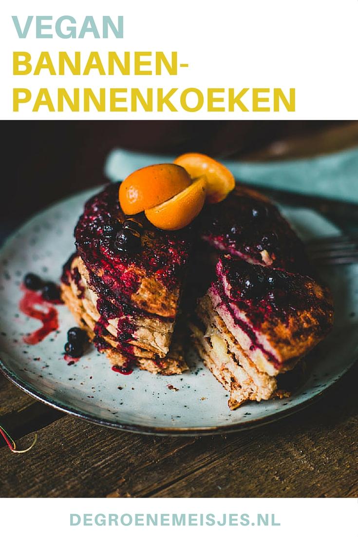 Maak deze heerlijke vegan pannenkoeken van banaan, havermeel, plantaardige melk en zelfgemaakte saus van sinaasappels. Lees het recept op de blog.