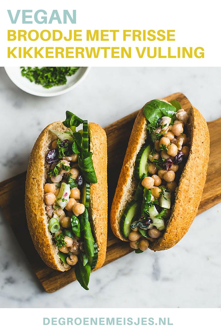 Recept voor gevuld broodje met vegan kikkererwten salade. Ga naar de blog voor uitleg en meer heerlijke variaties.
