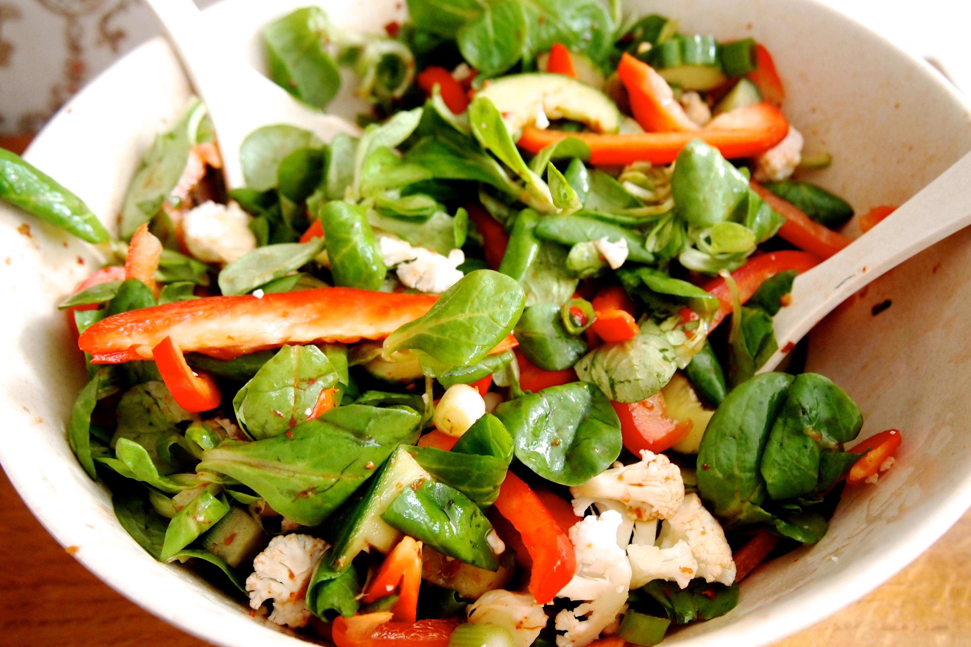 recept: spicy maaltijdsalade | de groene meisjes