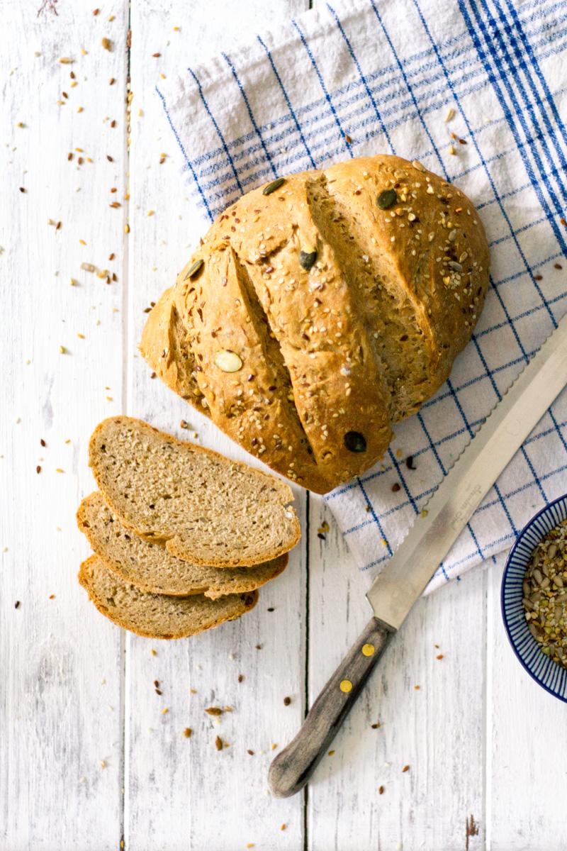 Zelf brood bakken, hoe doe je dat. Lees onze tips en adviezen en maak zelf je eerste brood.