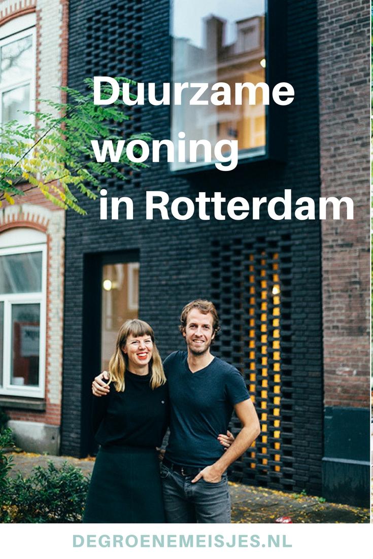 Gwendolyn en Marijn (beiden architect) ontworpen zelf hun super duurzame woning míddenin Rotterdam. Met zo min mogelijk spullen, natuurlijke materialen, vintage meubelen, zonneboiler, zonnepanelen, goede isolatie en vloerverwarming. Bekijk alle foto's en lees hun verhaal op de blog.