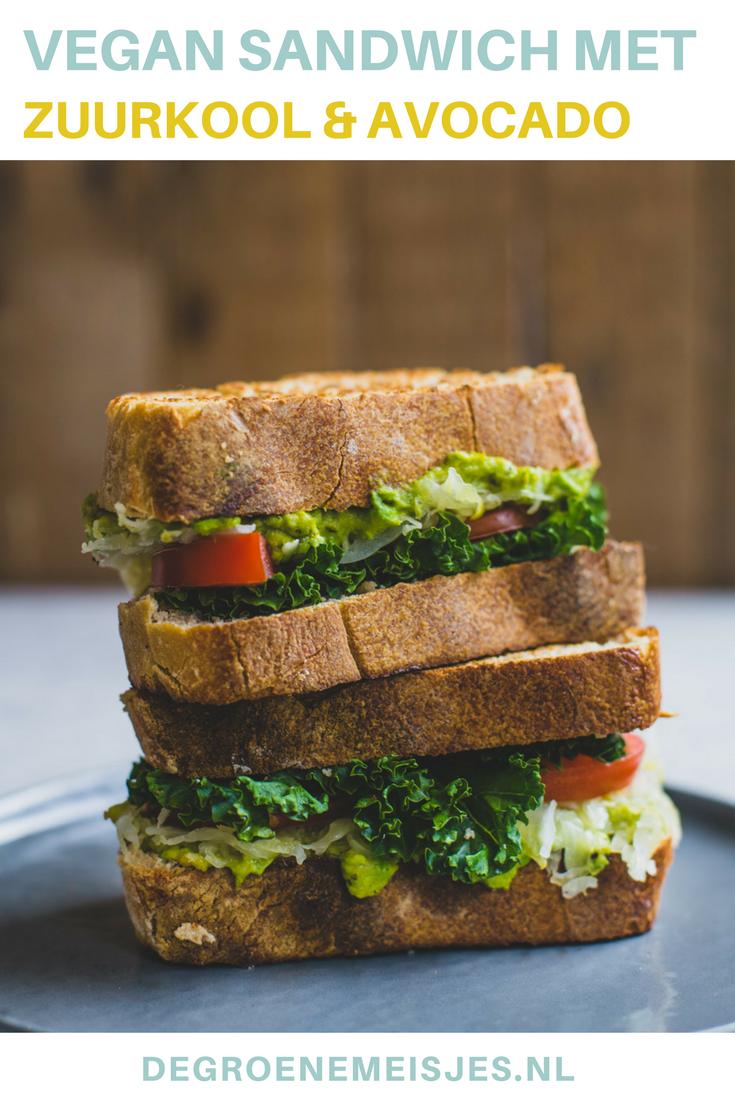 vegan lunch recept van een sandwich met zuurkool en avodao. Gebakken in de pan. #vegan #lunch #zuurkool