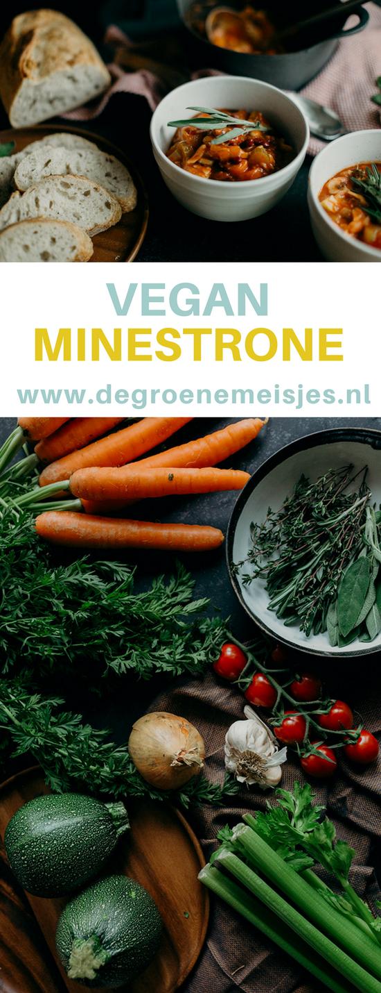 Gezond recept voor minestrone soep. Vegan basisrecept met heel veel groenten o.a. pasta, courgette, passata, wortels, bonen en meer. #soep #minestronesoup #vegan #veganfood #veganrecipes