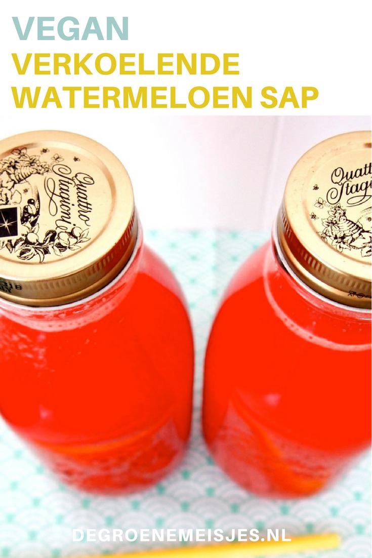 verkoelende vegan watermelon juice watermeloensap voor warme dagen met druiiven, limoen en munt
